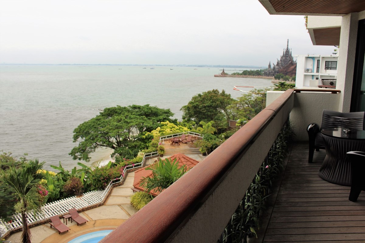 garden-cliff-condo-3-bedroom-condo-for-rent-sale-a